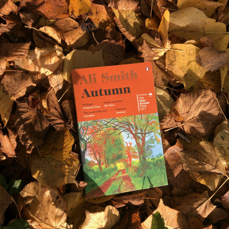 """""""Autumn"""" by Ali Smith BOOK REVIEW"""